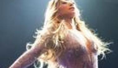 "Jennifer López enfrenta demanda en Egipto por ""actuar desnuda"" en concierto"