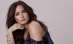 """Demi Lovato está """"contenta"""" por el compromiso de su exnovio Wilmer Valderrama"""