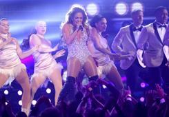 JLo se une a Maluma para el Latin Music Week de Billboard